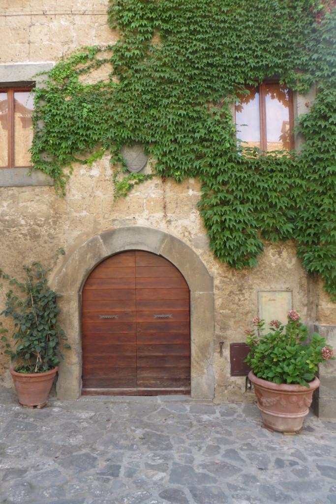 drzwi_civita_di_bagnoregio_moja_toskania