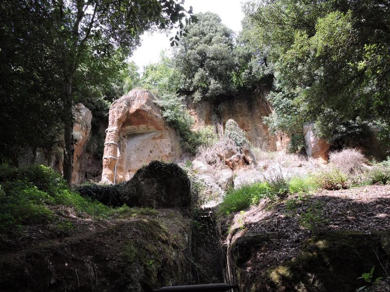 Grob Pola