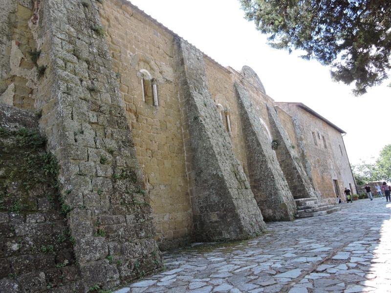 katedra_z_prawej_strony_sovana_moja_toskania