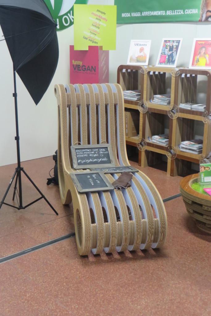krzeslo_z_kartonu_sana_bolonia_moja_toskania