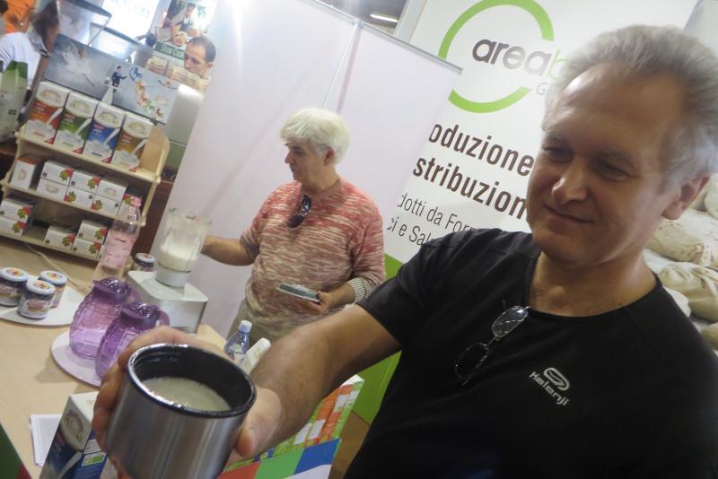 Degustacja mleka pochodzenia roslinnego