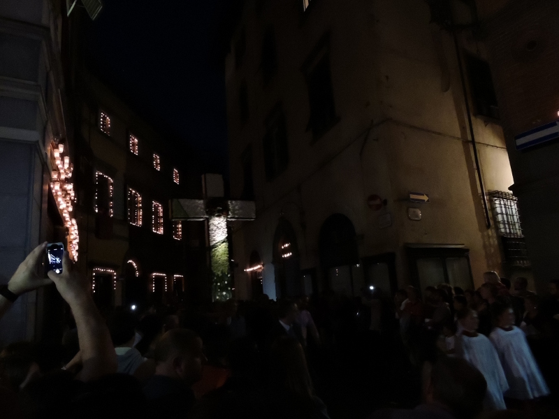 procesja_krzyz_luminara_lukka_moja_toskania