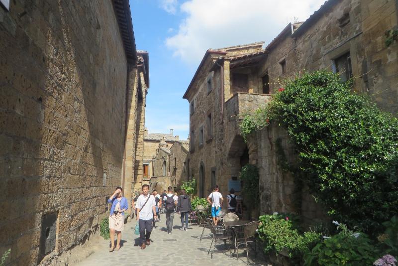 uliczka_civita_di_bagnoregio_moja_Toskania