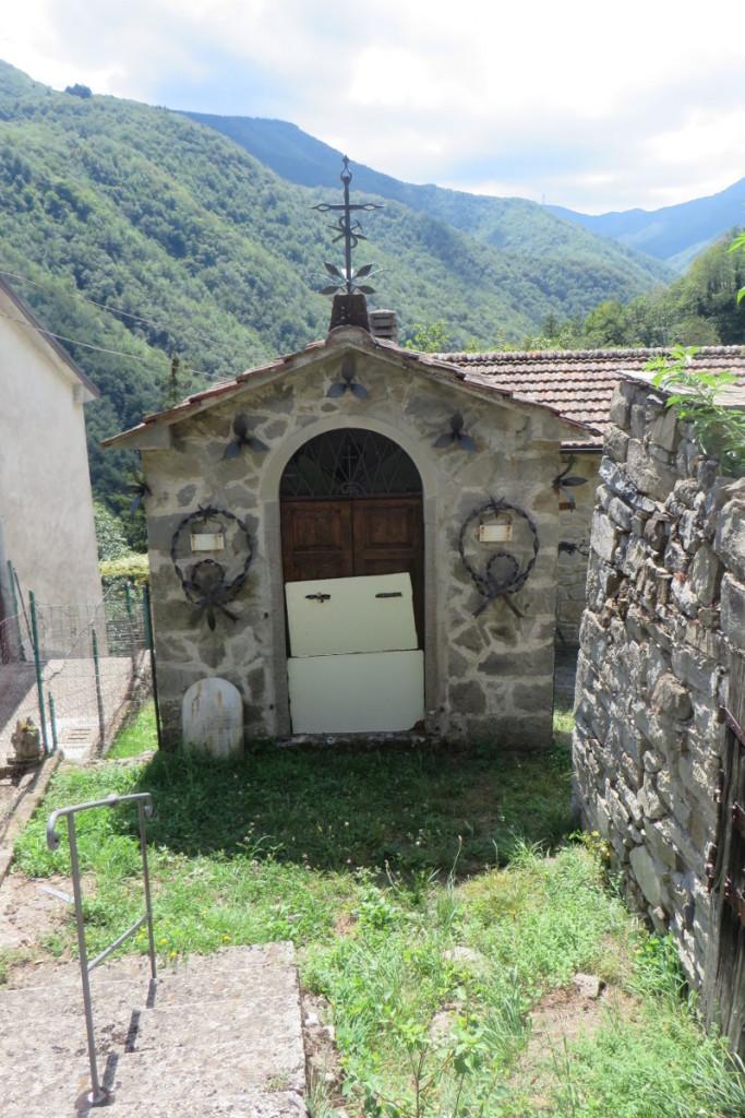 zakmnieta_kapliczka_treppio_moja_toskania