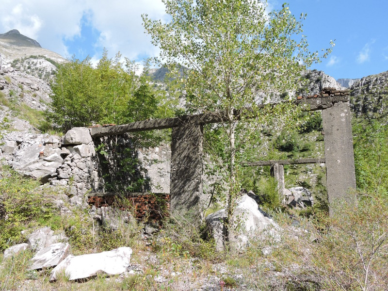 zblizenie_ruiny_kopalnia_marmuru_moja_toskania