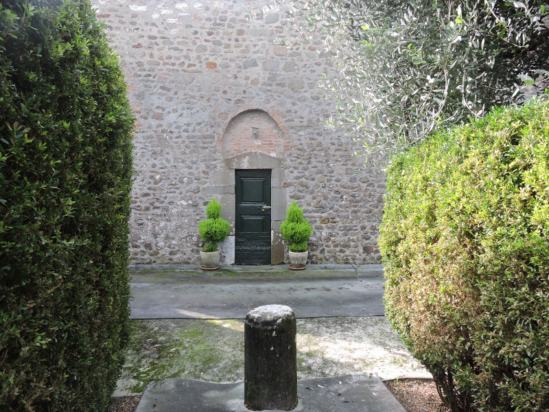 drzwi_kosciola_san_donnino_marlia_moja_toskania