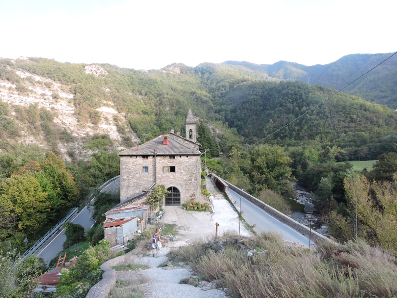 Kosciol w San Pellegrino, widok z gory