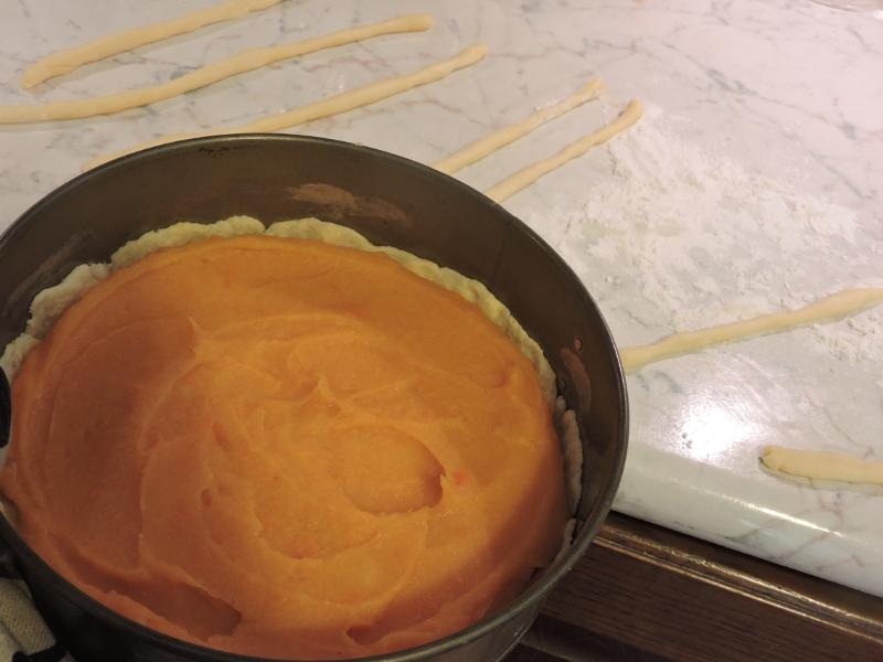 nalozenie_masy_warzywnej_na_kruche_ciasto_moja_Toskania