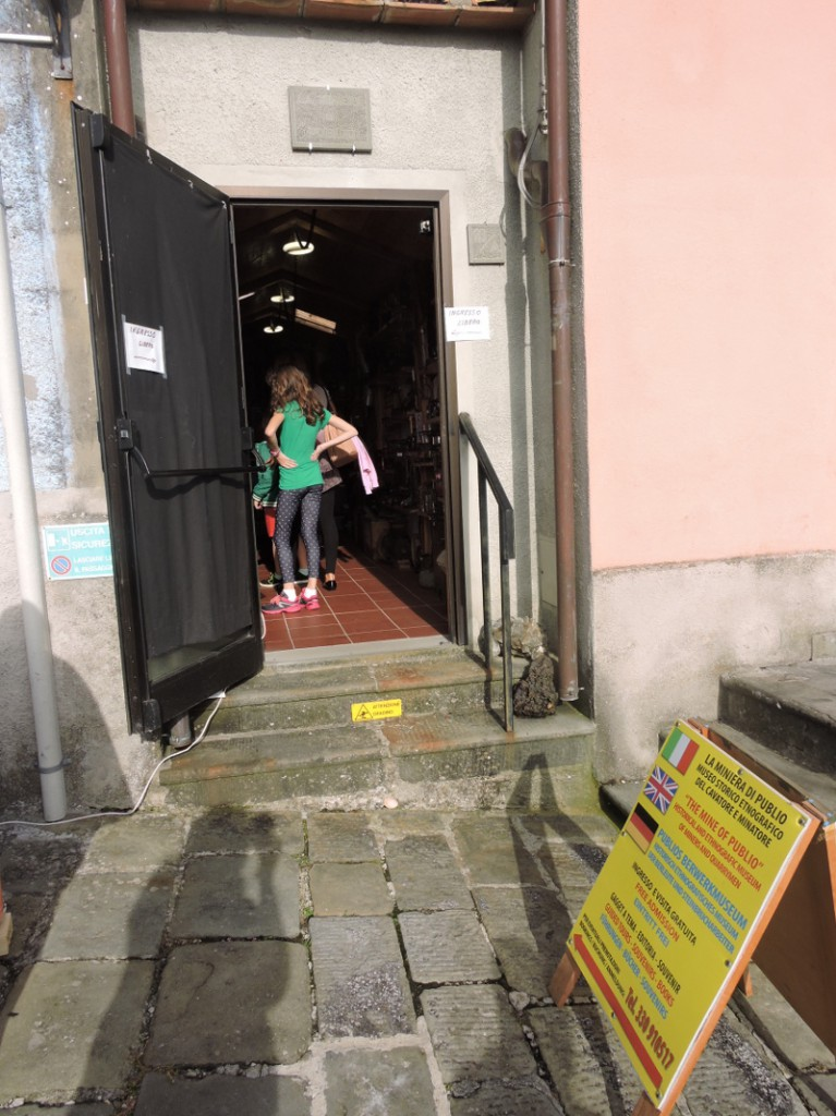 wejscie_do_muzeum_mineralow_moja_Toskania_vellano