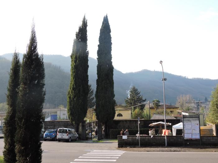 cmentarz_z_daleka_chifenti_moja_Toskania