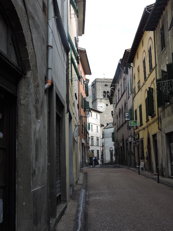 glowna_ulica_w_borgo_a_mozzano_moja_toskania
