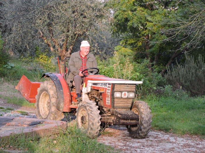 luciano_na_traktorze_moja_toskania