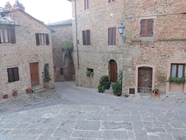 monticchiello_centrum_moja_toskania