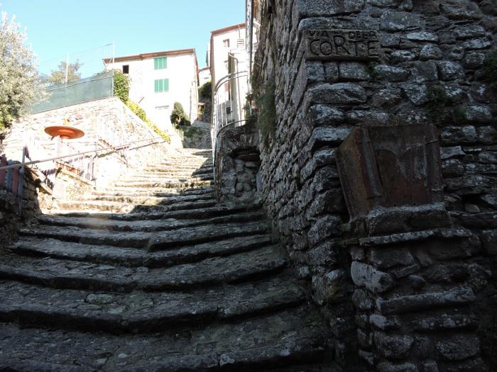 schody_w_gore_moja_toskania_pontito