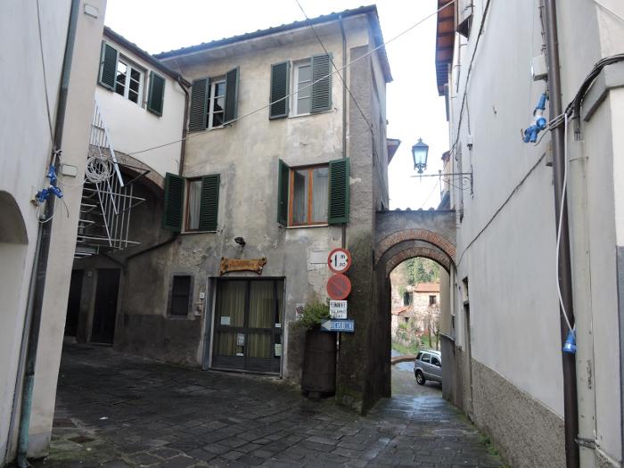 ulica_borgo_a_mozzano_moja_toskania