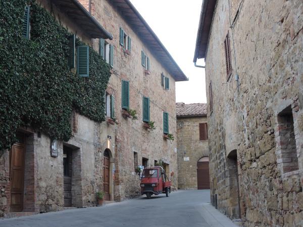 uliczka_monticchiello_moja_toskania