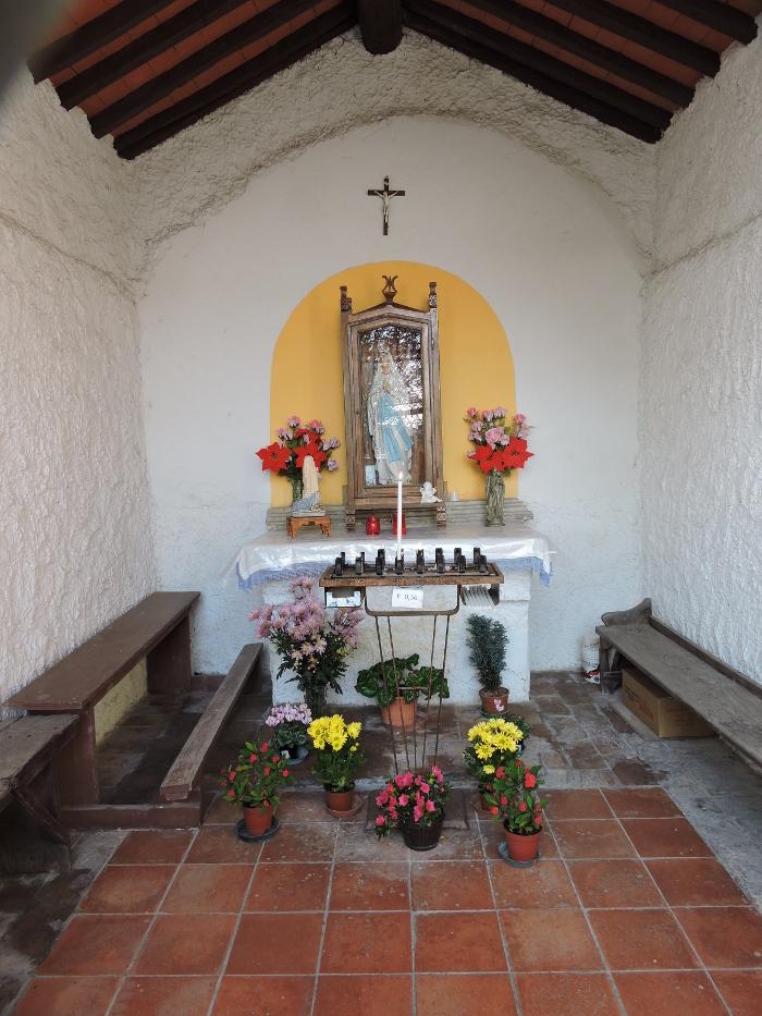 Wnetrze kapliczki