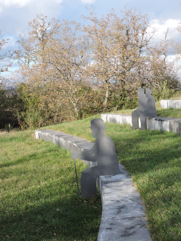 park_rzezb_chianti_moja_toskania_amfiteatr