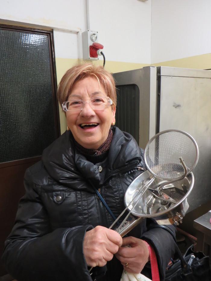 Simonetta przyniosla sprzet kuchenny z domu :D