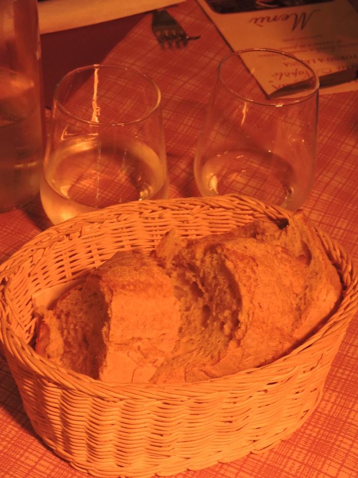 chleb_pieczony_w_restauracji_moja_toskania