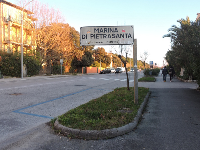 napis_marina_di_pietrasanta_moja_toskania