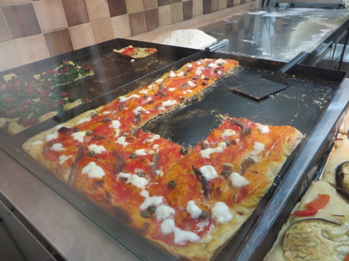 pizza_eko_z_anchois_moja_Toskania