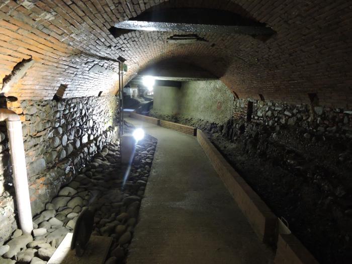 moja_toskania_korytarz_pod_ziemia_pistoi