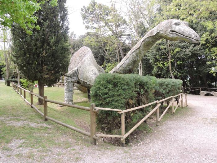 dinozaur_moja_toskania_peccioli_park_prehistoryczny