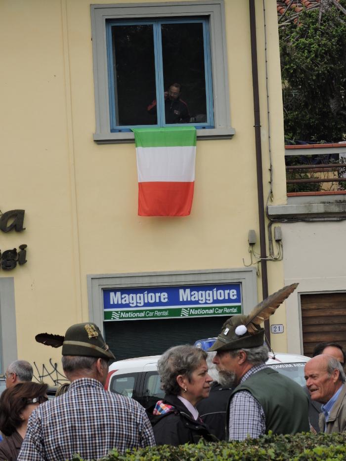 flaga_w_oknie_moja_Toskania_pistoia