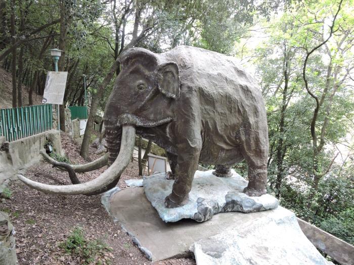 mamut_park_prehistoryczny_moja_toskania_peccioli