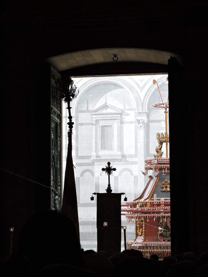 Procesja wchodzaca do Katedry