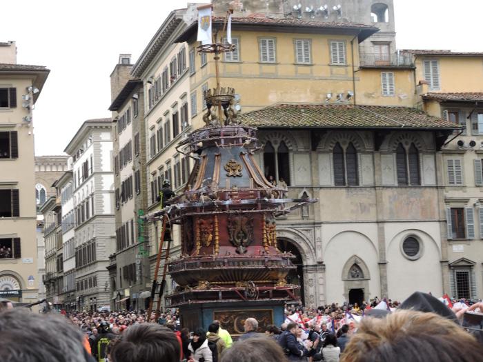 strazak_i_woz_katedra_wielkanoc_florencja_moja_Toskania