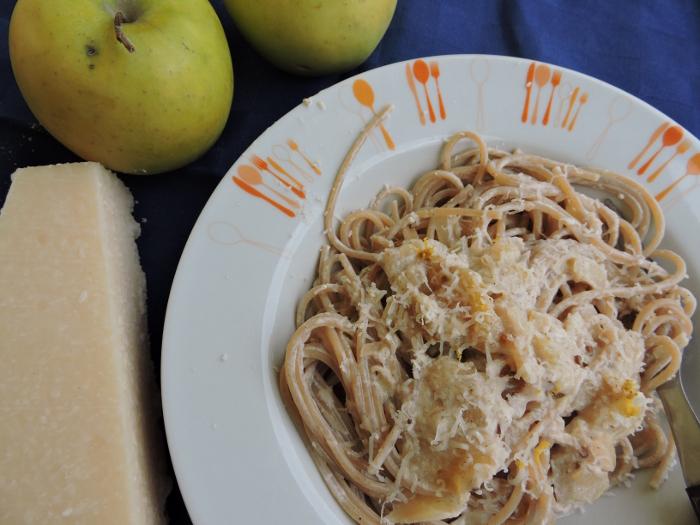 spaghetti_w_sosie_jablkowym_moja_toskania_viva_la_pasta