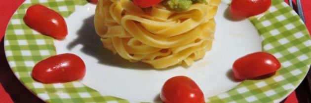 Viva la pasta! cz.56, Tagliatelle w sosie szparagowym z pomidorkami
