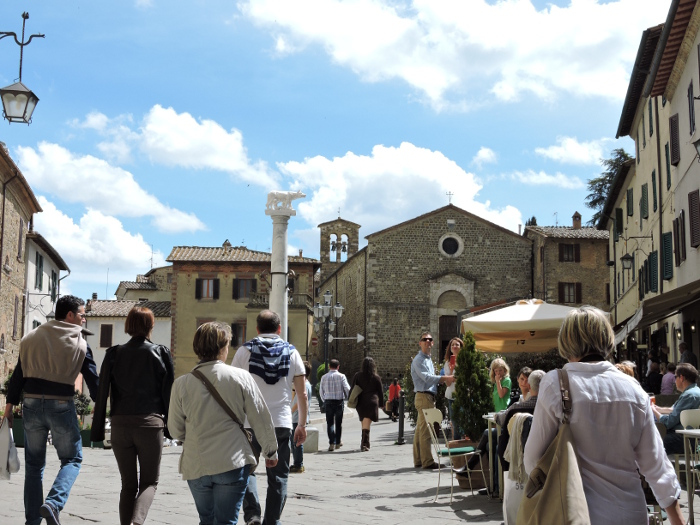 turysci_montalcino_moja_Toskania