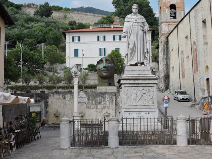 plac_pietrasanta_mitoraj_moja_Toskania