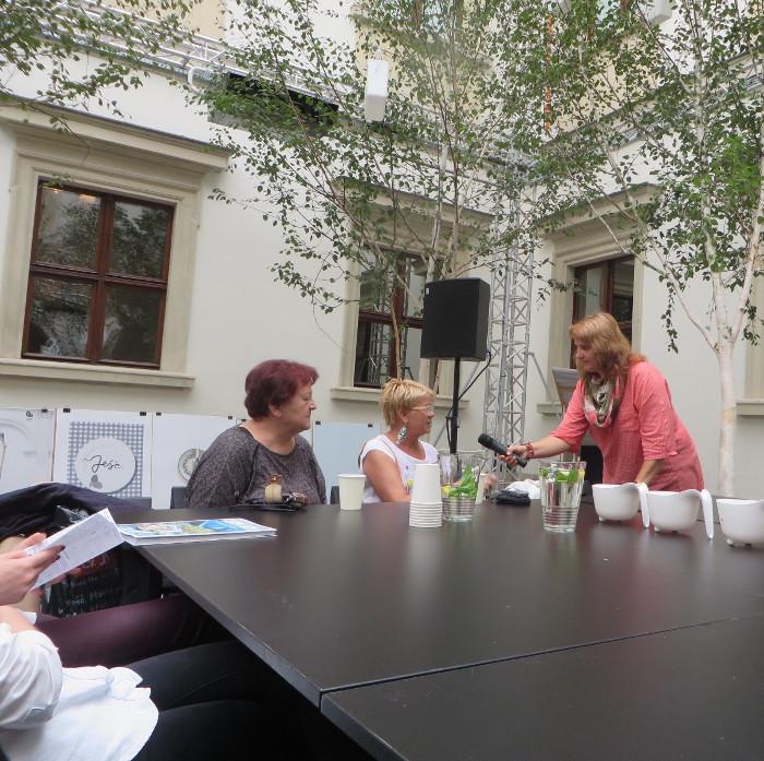 wywiady_z_czytelnikami_aleksandra_seghi_targi_ksiazki_kulinarnej_moja_Toskania
