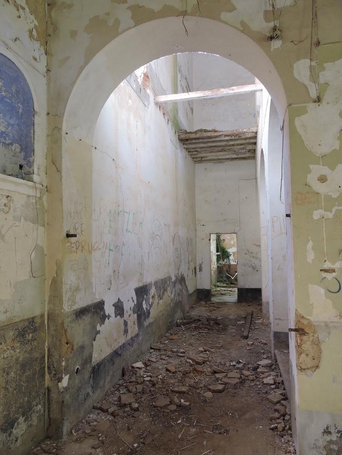 korytarz_klasztoru_moja_toskania_vinacciano