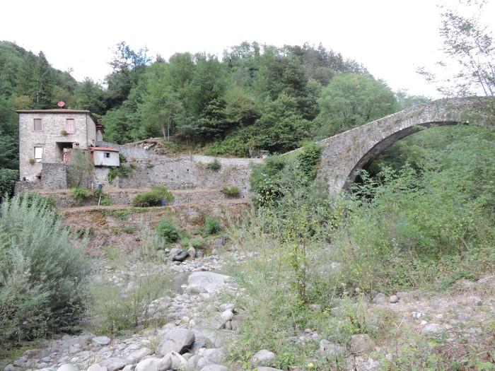 most_castruccio_dawny_mlyn_moja_toskania