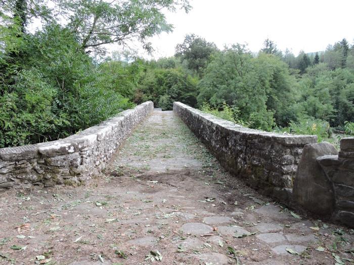 most_castruccio_od_strony_mlyna_moja_toskania