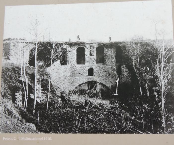 Zdjecie z 1910 roku, pochodzi z tablicy informacyjnej na miejscu