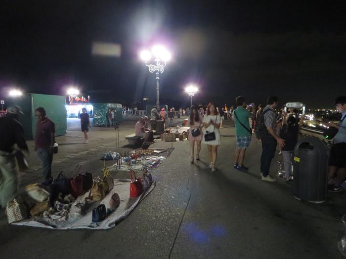 nocna_sprzedaz_na_piazzale_michelangelo_moja_Toskania