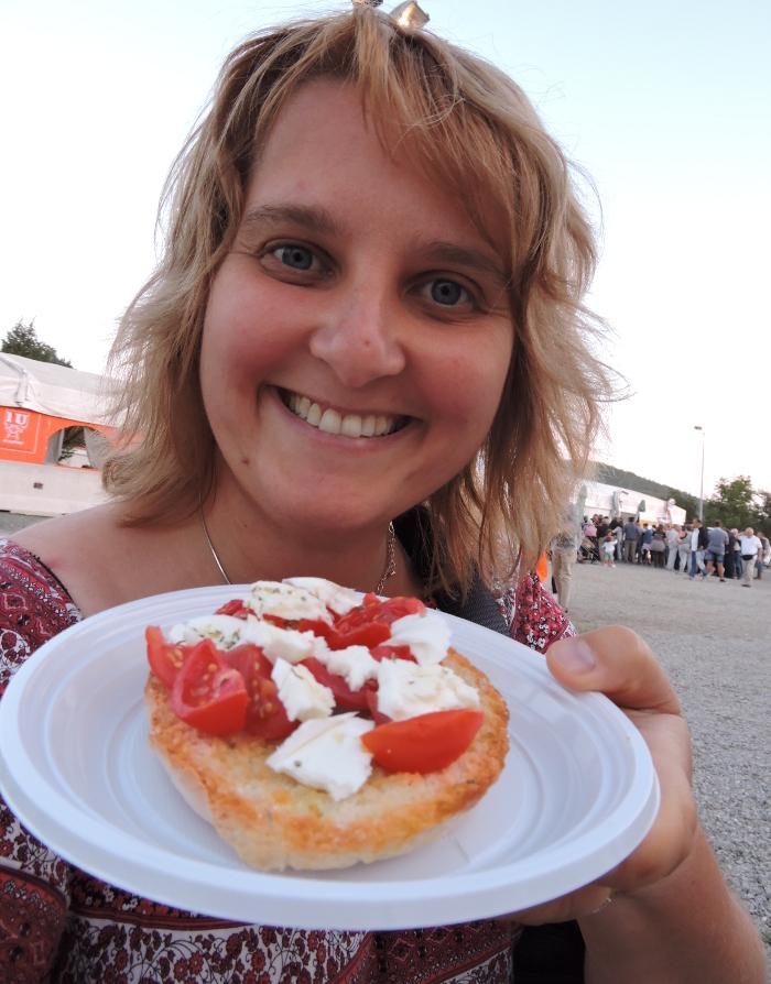 aleksandra_seghi_bruschetta_z_pomidorem_i_mozzarella_moja_toskania_carraia