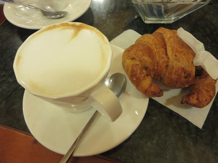 cappuccino_sojowe_brioche_zbozowa_moja_toskania