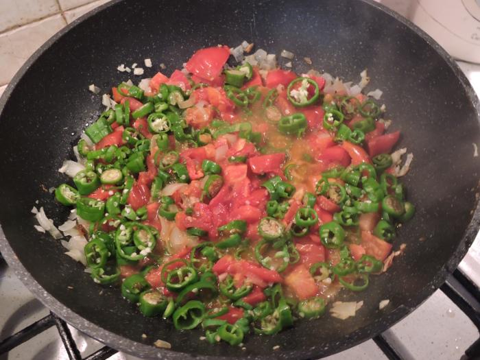 duszenie_pomidorow_z_papryka_zielona_moja_toskania