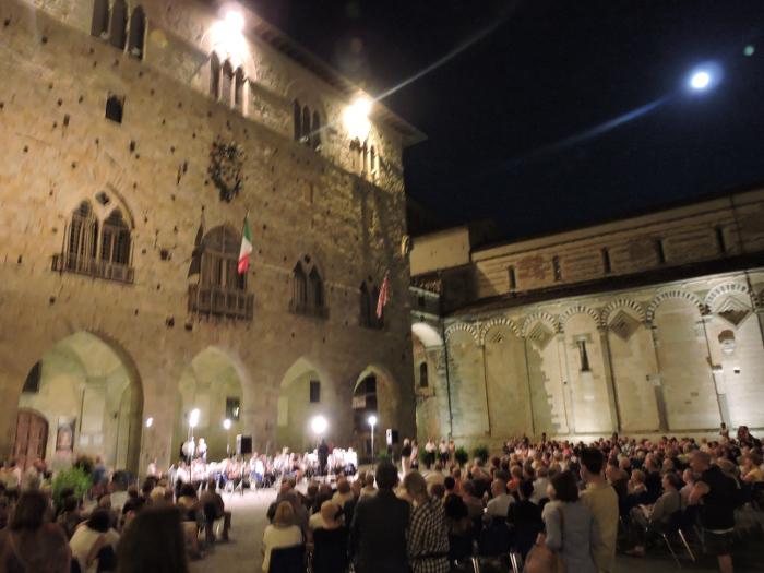 orkiestra_plac_katedralnym_moja_toskania_pistoia