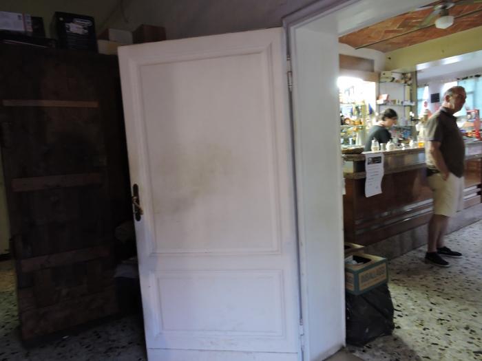 Po prawej bar