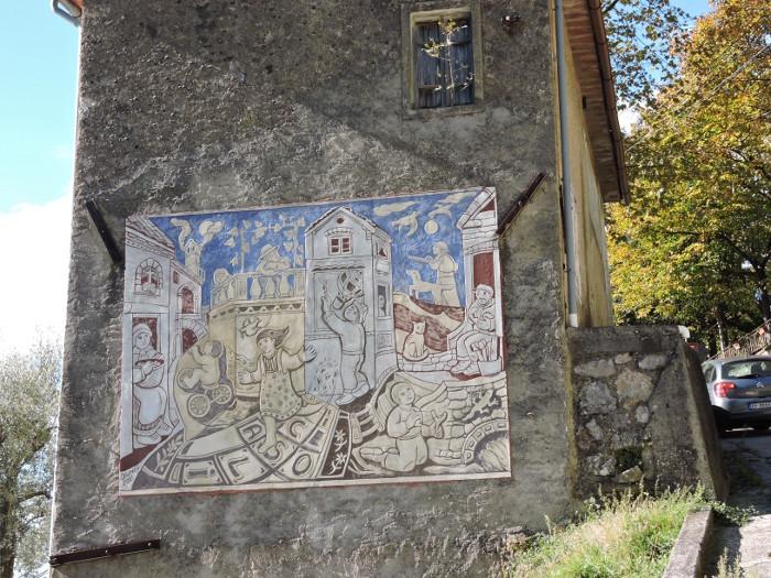 graffitti_na_budynku_moja_Toskania_casoli