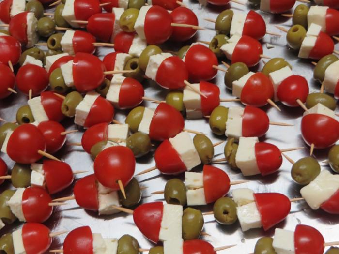 koreczki_z_sera_pomidora_i_oliwek_moja_toskania