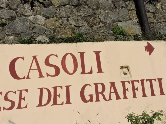 napis_casoli_miasto_graffitti_moja_Toskania